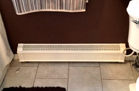 baseboards-bathroom-old-after-1