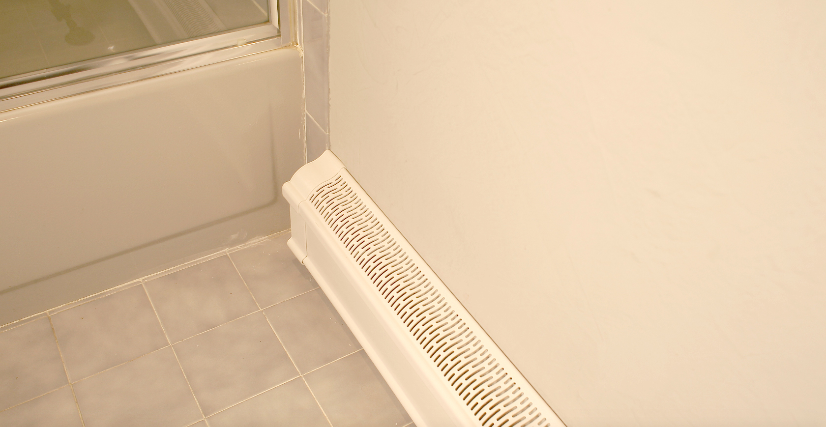 coverluxe-baseboards-bathroom-after-2